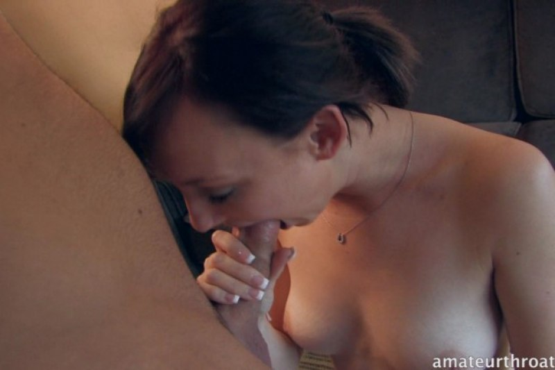 Petite Amateur Girl Learns To Deep Throat - FaceFuckingPorn.com: www.facefuckingporn.com/galleries/amateur_deep_throat_313-3.html