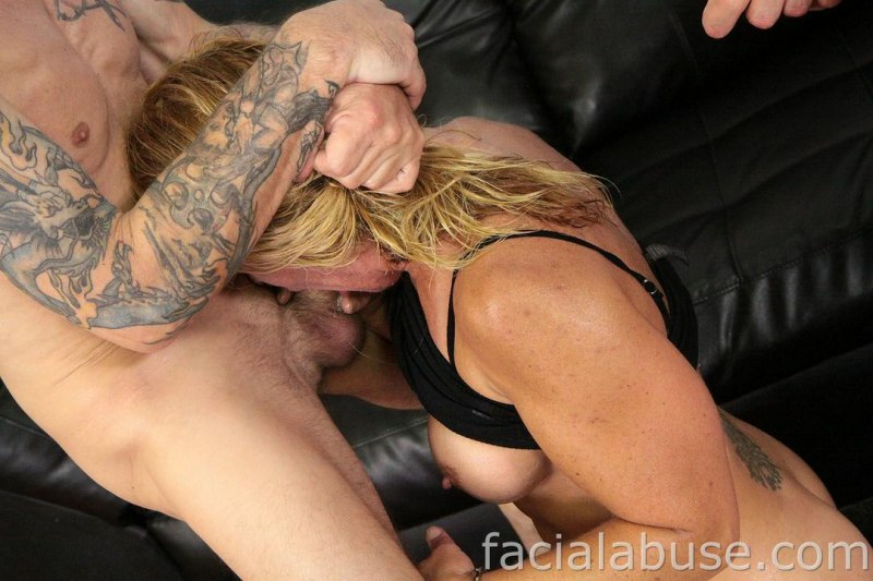 Blonde milf skylar rae gets her mature pussy pounded 4