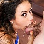 Cock Sucker Nadia Styles Shows Off Her Deepthroat Skills