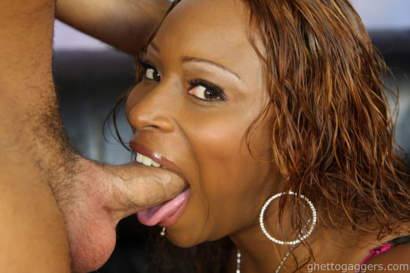 Gagging black ebony slut facefuck