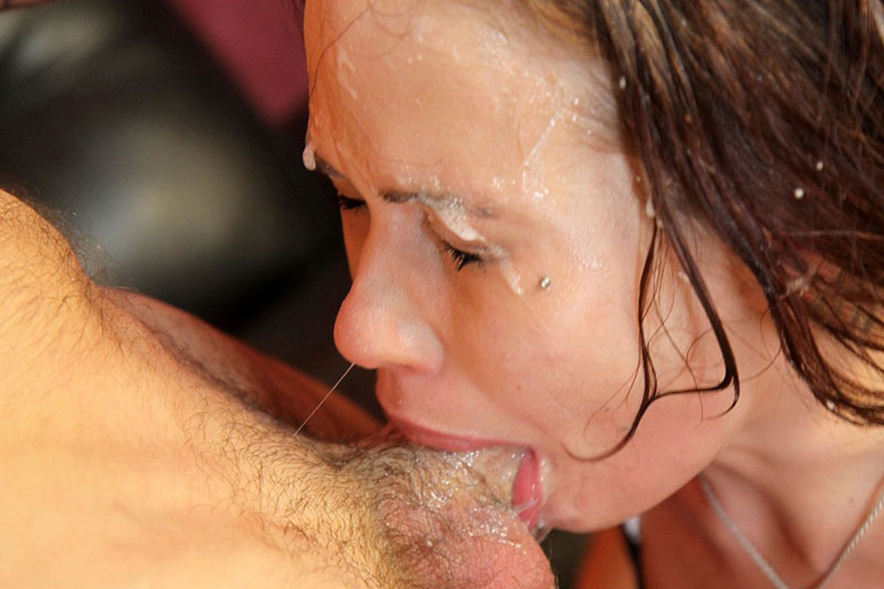 Extreme deepthroat cocksucking