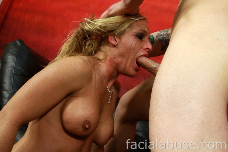 Throating milf facialized
