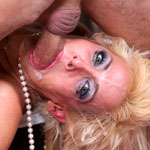 Horny Blonde MILF Mikki Lynn's Rough Throatjob Video