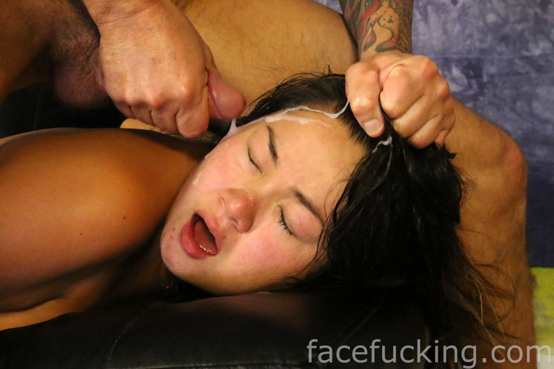 Latina makes a mess squirting all over herself 7