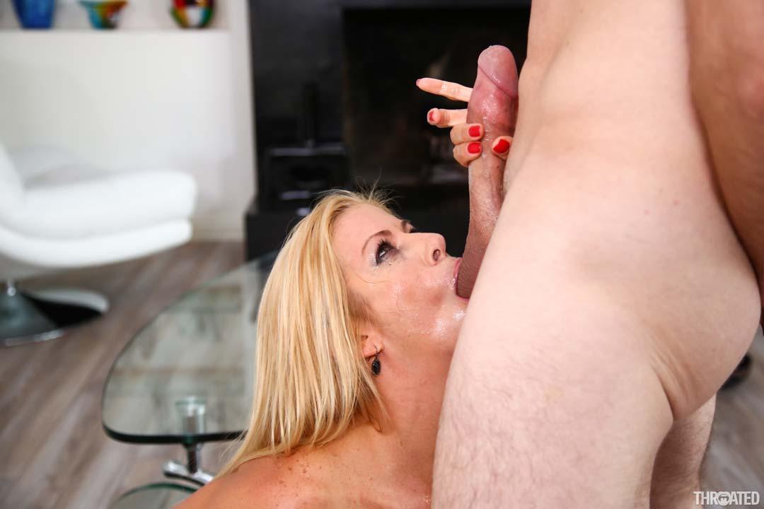 Big Tits Milf Alexis Fawx Deepthroats With Her Moist Wet -3127