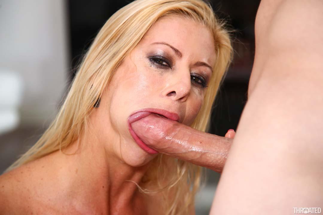 Big Tits MILF Alexis Fawx Deepthroats With Her Moist Wet Lips & Tight Throat