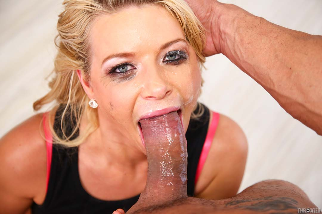 Amazing blonde fucking her lover in the hotel 6