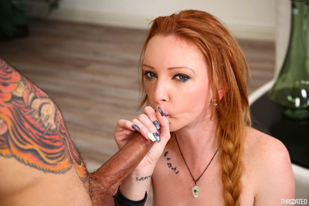 Herfirst kisses com deepthroat