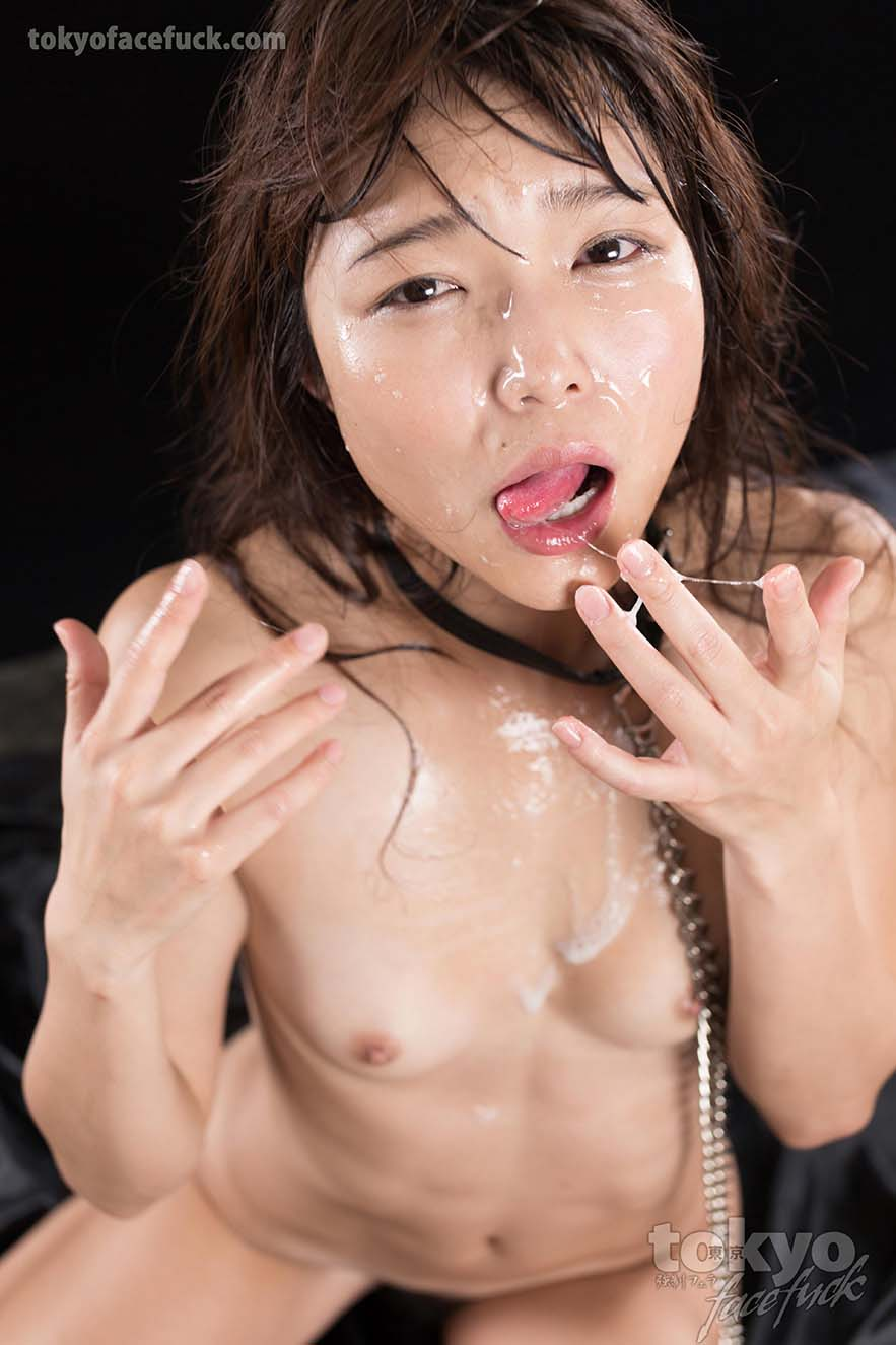 Cums on the face of japanese sexy girls consider