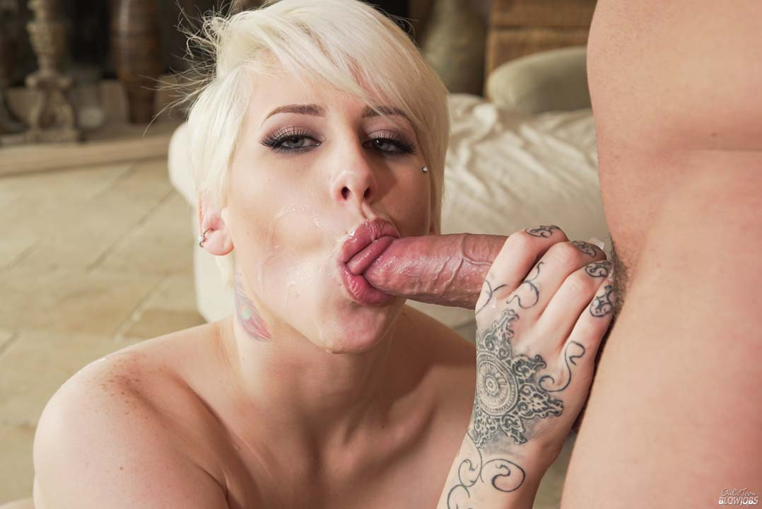 Dylan Phoenix Sucks A Lucky Guys Dick Dry -9458
