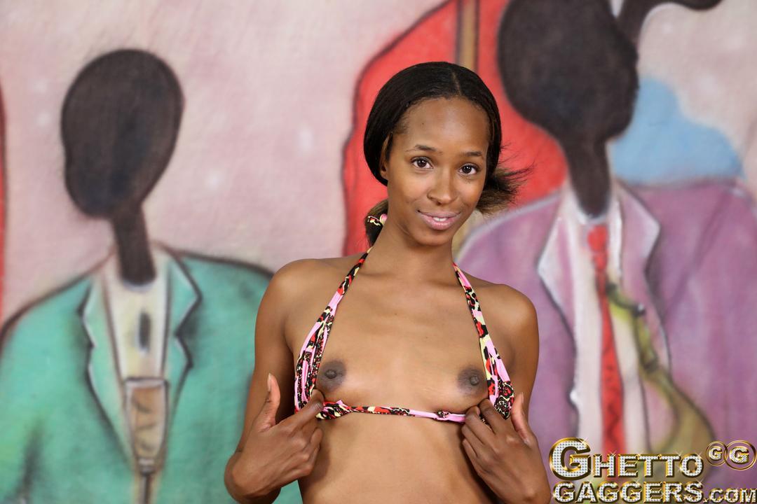 Hot lean ebony stripper Stephinne Reigns learns to deep throat fuck ...