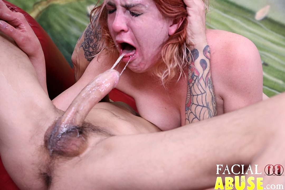 Hot bunette pussy geeting beat